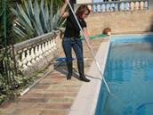 Pour apprendre à vous occuper vous même de votre piscine.